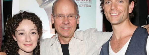 El director y autor del libreto John Caird entre los actores que la estrenaron en el Off-Broadway