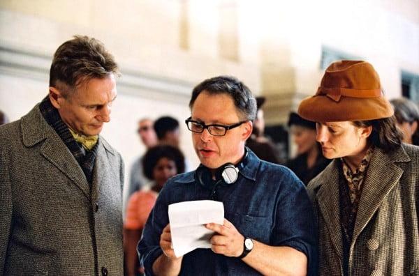 """Liam Neeson, Bill Condon y Laura Linney en el rodaje de """"Kinsey"""""""